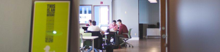 Wie die Beschäftigten mit der digitalen Veränderung Schritt halten